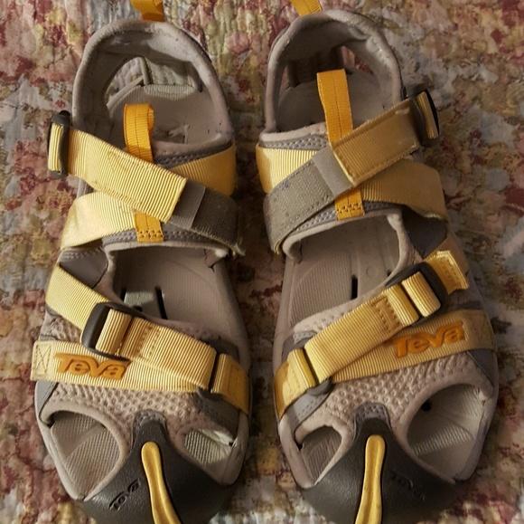 c5f9decf952fd8 Teva Hiking Shoe Sandals Womens 8 1 2. M 5ae0be2231a376fca103936f